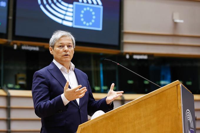 Dacian Ciolos și delegația USR-Plus a Parlamentului European susțin candidatura lui Edmundo Bal și încurajează comunitatea română din Madrid să voteze pentru Ciudadanos