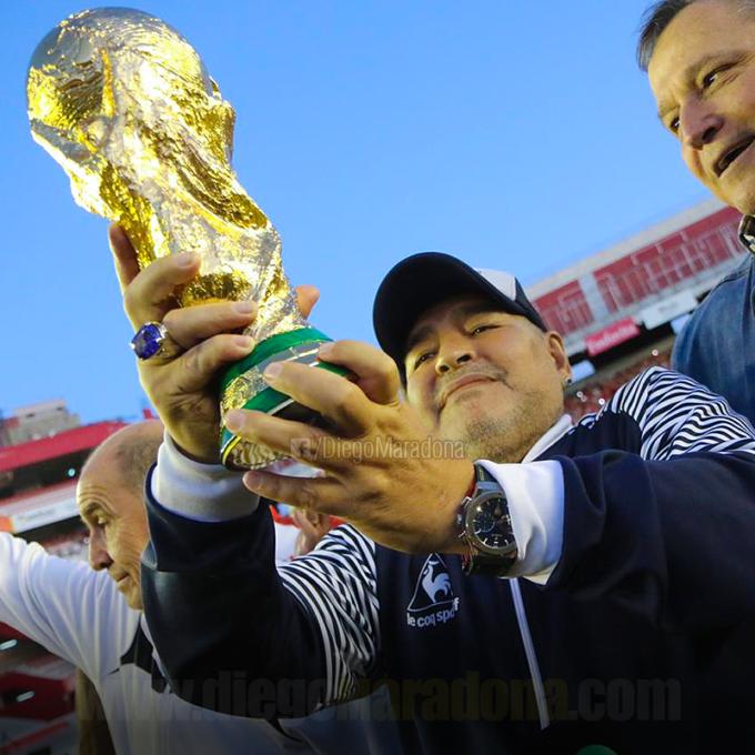 Diego Maradona a încetat din viaţă în urma unui stop cardiac (fişă biografică)