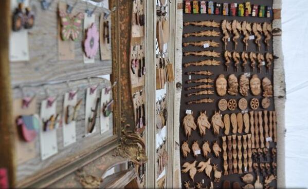 Domnișoara Pogany și produsele cu specific dacic, atracția Târgului de Artă Meșteșugărească de la Târgu Mureș