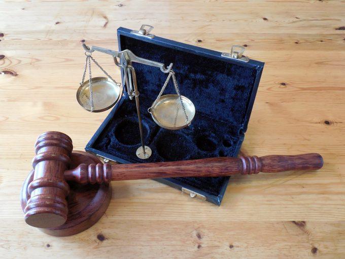Dreptul de vizitare a copilului după divorţ îi priveşte şi pe bunicii minorului, potrivit justiţiei europene