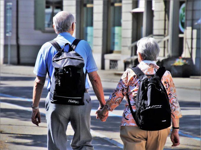 Dreptul la pensie pentru românii care au lucrat în străinătate. Pensiile de stat în străinătate. Pensii pentru limită de vârstă