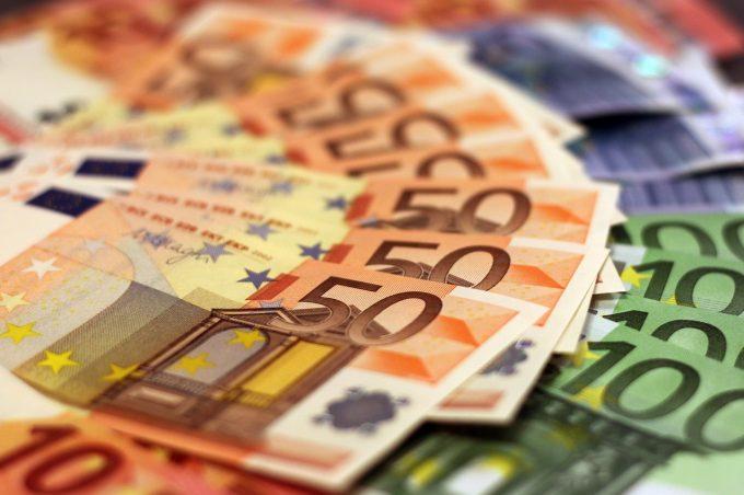 Economia zonei euro a înregistrat o creştere peste aşteptări în primul trimestru