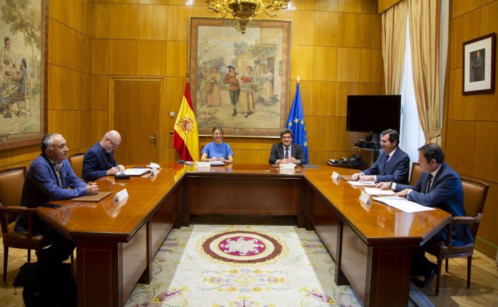 El Gobierno aprueba la extensión de los beneficios de los ERTE hasta el 31 de enero, tras el acuerdo con los agentes sociales