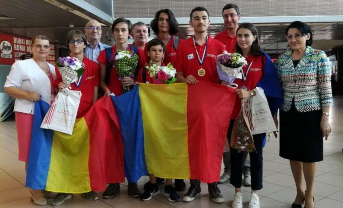 Elevii români au obţinut cinci medalii de aur şi una de argint la Olimpiada Balcanică de Matematică
