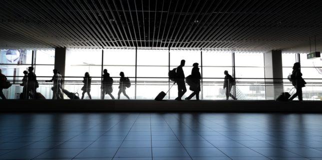 Eurostat: Transportul aerian în UE s-a prăbuşit în trimestrul doi din 2020, din cauza pandemiei