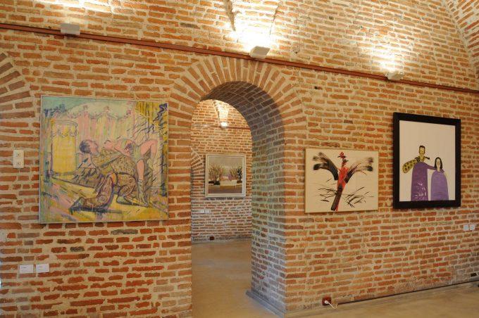 VIDEO: Expoziţia 'Aici-Acolo. Artişti din România şi Diaspora. Estetica eternului acum', vernisată la Muzeul Naţional Cotroceni
