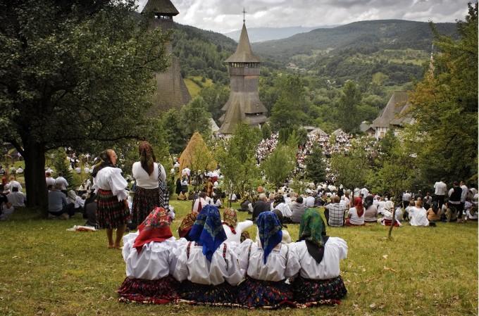 """Expoziţia """"Rumania detrás de los prejuicios"""" semnată de  fotograful  Dan Ticulescu"""
