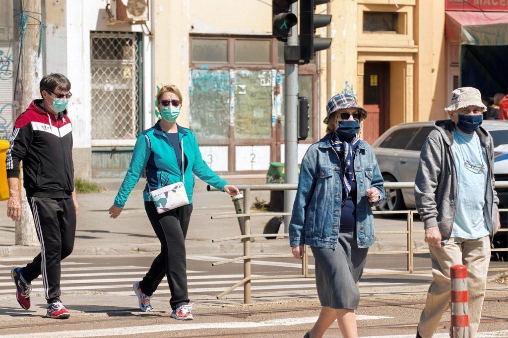 FMI semnalează tensiunile sociale şi economice extreme existente la nivel mondial din cauza pandemiei