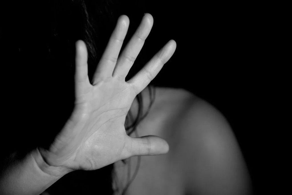 Feminicid: Guvernul spaniol, condamnat de justiţie pentru că nu a protejat o victimă