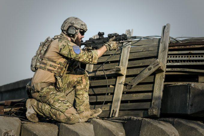 Fifor: La acest moment nu discutăm despre posibilitatea reintroducerii stagiului militar obligatoriu în România