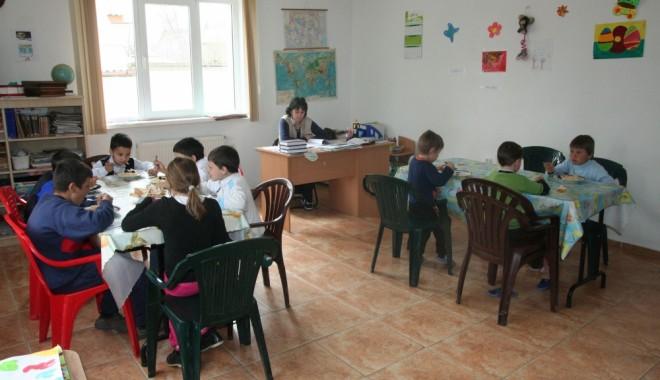 Fondurile europene, o şansă pentru copiii din centrele de plasament