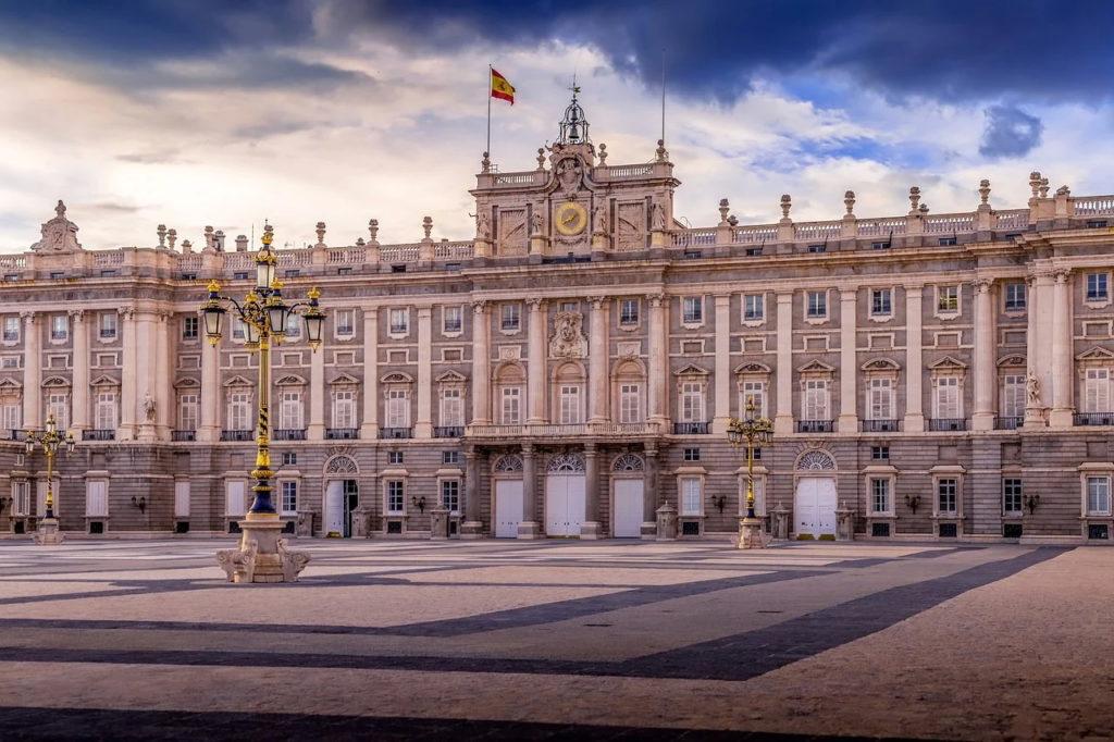 Fostul rege Juan Carlos al Spaniei este urmărit în încă o anchetă judiciară