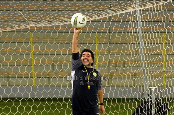 Fotbal: Maradona, la 60 de ani, se declară mândru că a adus bucurie oamenilor cu o minge