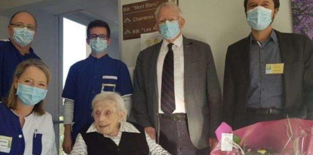 Franţa: O femeie în vârstă de 105 ani a supravieţuit COVID-19