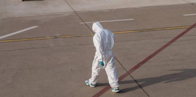 Franţa a naturalizat peste 12.000 de lucrători străini aflaţi 'în prima linie' contra epidemiei de COVID-19
