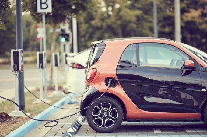 Germania îşi va atinge luna aceasta obiectivul de un milion de automobile electrice pe şosele