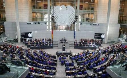 Germania adoptă o lege care înlesnește deportarea solicitanților de azil respinși și monitorizarea celor periculoși