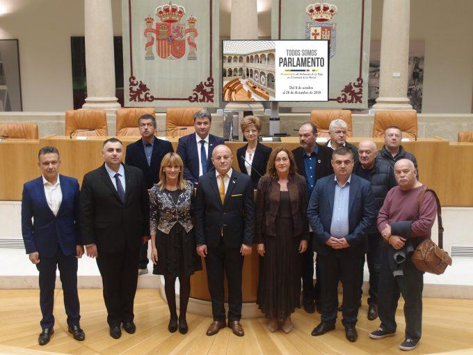 González traslada el apoyo del Parlamento al impulso de las relaciones entre La Rioja y el distrito rumano de Buzău