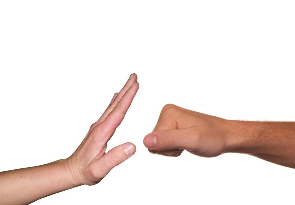 Gorj: Anchetă a DGASPC în cazul minorei agresate de mai multe adolescente