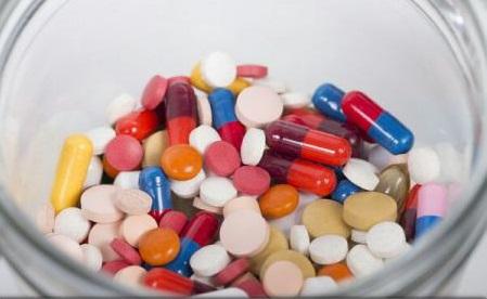 Guvern: 13 noi medicamente intră pe listele acordate compensat și gratuit