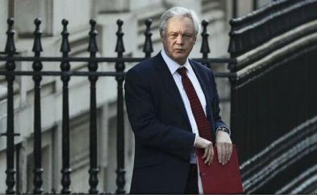 Guvernul britanic și-a prezentat într-o 'Carte Albă' strategia privind ieșirea din UE