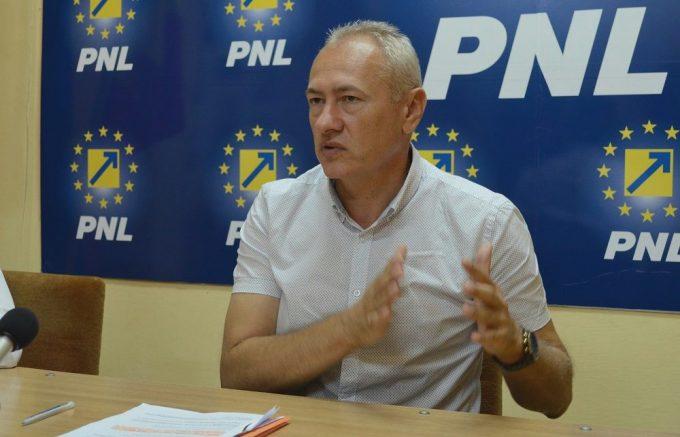 Heiuş (PNL): Românii vor asista la filmul ''Cum să furi un pilon de pensii''; Teodorovici merită demiterea