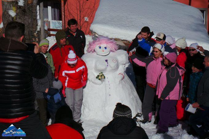 Hunedoara: Oamenii de zăpadă intră în concurs la festivalul organizat în Straja