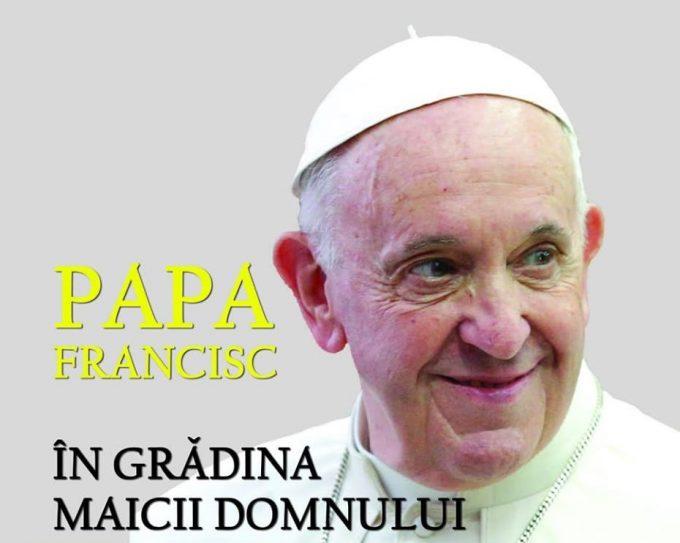 Iaşi: La SFR a fost lansat primul album foto din timpul vizitei Papei Francisc în România