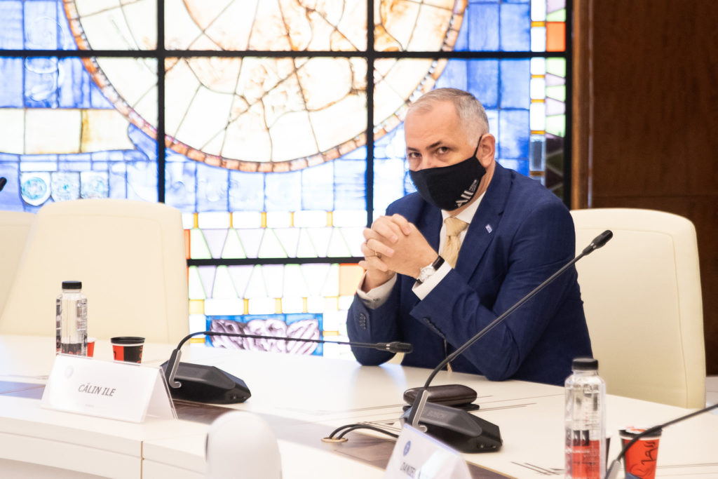 Ile (FIHR): Nu va exista o limitare a deplasărilor interne din România pe baza certificatului verde digital