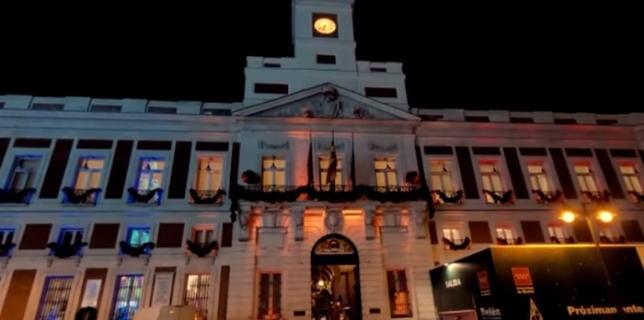 Iluminarea sediului principal al Comunității Madrid în culorile drapelului României