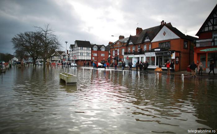 Inundații-în-Marea-Britanie-David-Cameron-promite-desfășurarea-unor-trupe-suplimentare