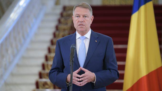 Iohannis îndeamnă românii să stea acasă de Paşte: E foarte important să respectăm şi acum regulile impuse de autorităţi