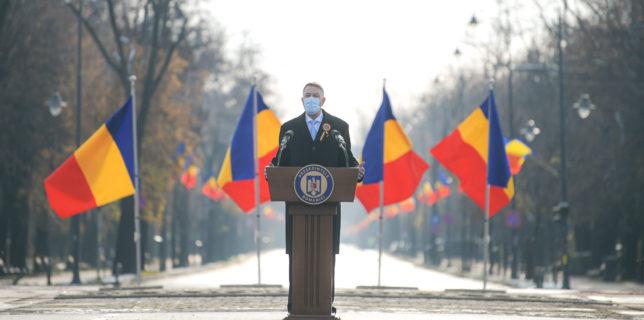 Iohannis: Personalul medical şi toţi cei care se sacrifică pentru a opri răspândirea virusului - eroii acestui an