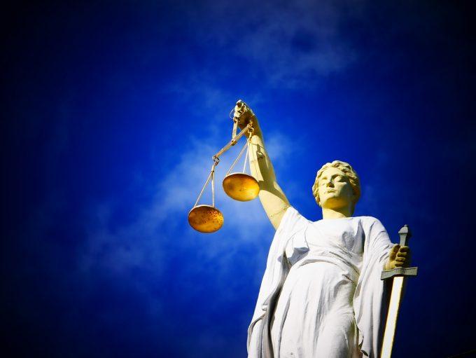 Iohannis cere Parlamentului să ţină cont de opiniile Comisiei de la Veneţia şi să reevalueze modificările legilor Justiţiei