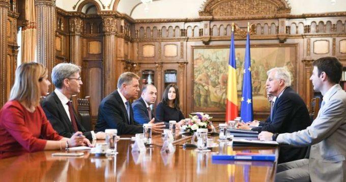 Iohannis i-a transmis lui Barnier că România susţine o cooperare strânsă a UE cu Marea Britanie după Brexit