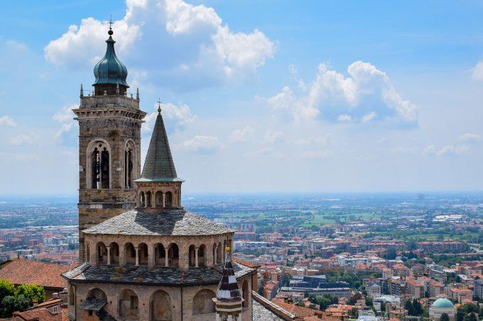 Italia: Familiile unora din victimele coronavirusului au depus 50 de plângeri la Bergamo