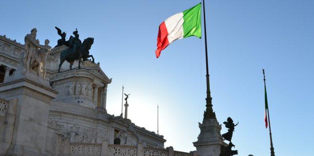 Italia ridică obligativitatea purtării măştii în aer liber începând cu data de 28 iunie