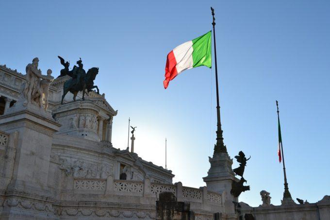 Italia a ridicat obligativitatea purtării măştii în aer liber începând cu data de 28 iunie
