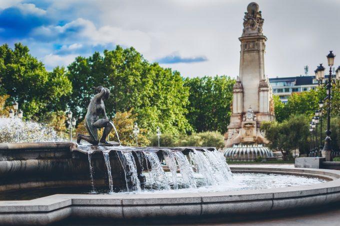La Madrid şi Barcelona se redeschid luni terasele, hotelurile şi muzeele