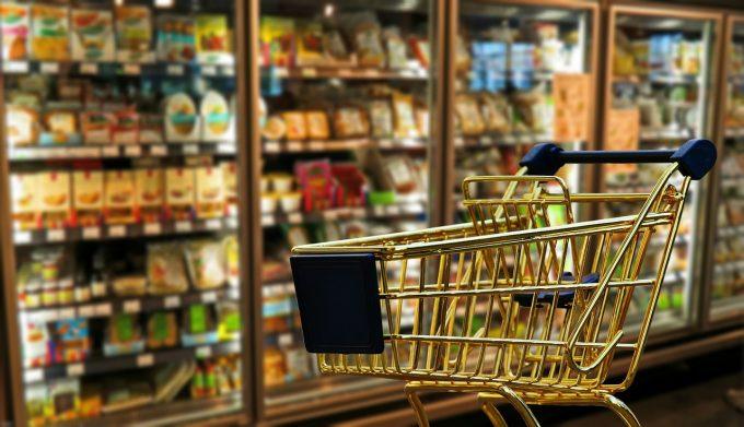 La nivel UE: Cum sunt prețurile din România la alimente şi băuturi non-alcoolice?