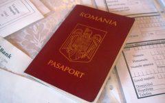 Legea prin care valabilitatea paşapoartelor simple electronice creşte la 10 ani, promulgată