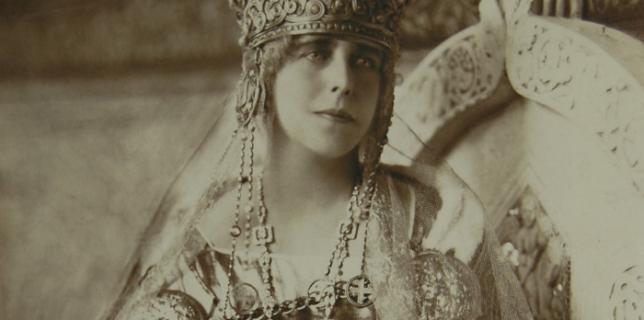 """M.S. Regina Maria a României, numită în popor """"mama răniţilor"""" şi """"regina soldat"""": Te binecuvântez, iubită Românie!"""