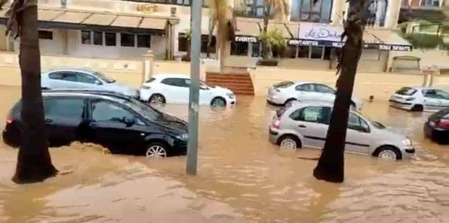 MAE: Atenţionare de călătorie în Spania - Coduri portocaliu şi galben de precipitaţii, furtuni şi vânt de coastă