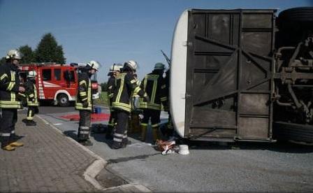 MAE: Patru români răniți în accidentul din Germania, supuși unor investigații amănunțite; starea lor - stabilă