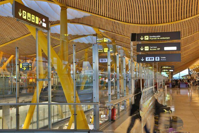 MAE: Test negativ pentru persoanele care vin în Spania pe cale maritimă sau aeriană