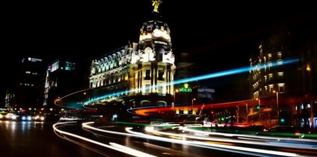Madridul extinde restricţiile pentru a limita răspândirea epidemiei