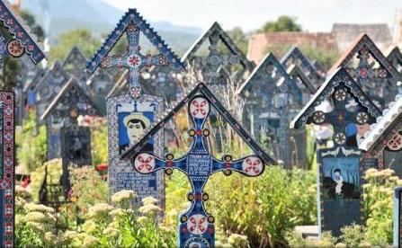Maramureș: Cimitirul Vesel, Mocănița și bisericile din lemn, cele mai căutate obiective turistice în această vară