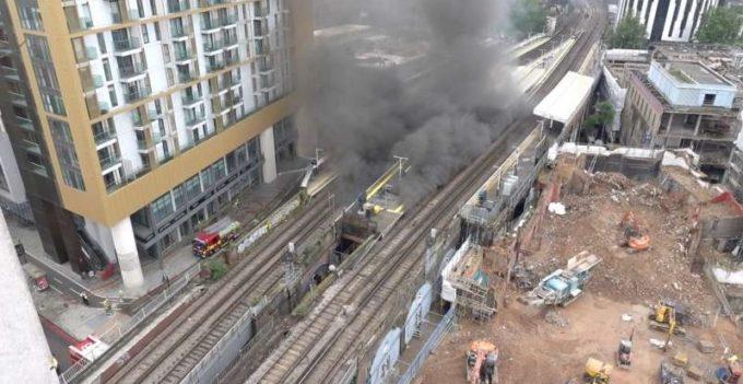 Marea Britanie Incendiu de proporţii în apropierea unei staţii de metrou în centrul Londrei