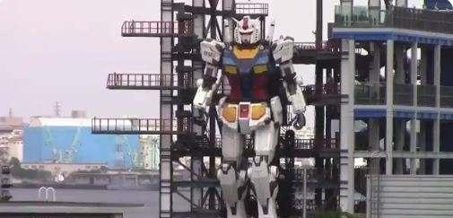 Mişcările unui robot gigantic într-un port din Japonia entuziasmează milioane de utilizatori pe Twitter