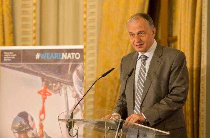 Mircea Geoană a fost numit secretar general adjunct al NATO (fişă biografică)